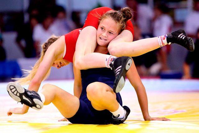 Женская борьба вольная: что это, спорт среди девушек и женщин, спортивный прием туше