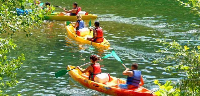Водный туризм: что это такое, виды, особенности, снаряжение и одежда, какие дороги наиболее пригодны для байдарки