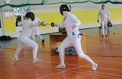 Фехтование: что это такое, история искусства, стиль боя в русфенсинге, как называется человек, который занимается видом спорта ФИЕ