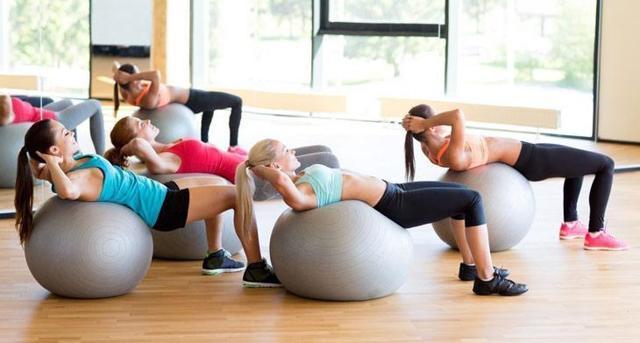 Силовые тренировки: фитнес, что это такое, браслет для тренинга с фитболом