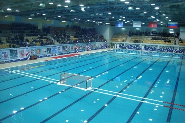 Водное поло: женщины под водой, женский вид спорта, соревнования среди девушек